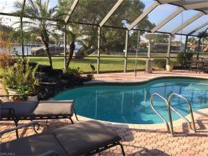 912 N Town And River Dr, Fort Myers, FL 33919