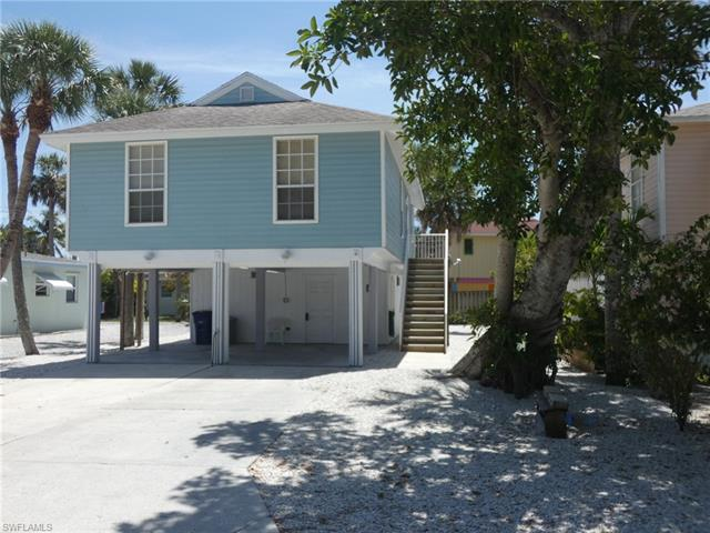 130 Madison Ct, Fort Myers Beach, FL 33931
