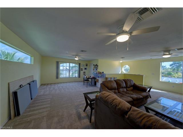 2623 Sw 39th St, Cape Coral, FL 33914