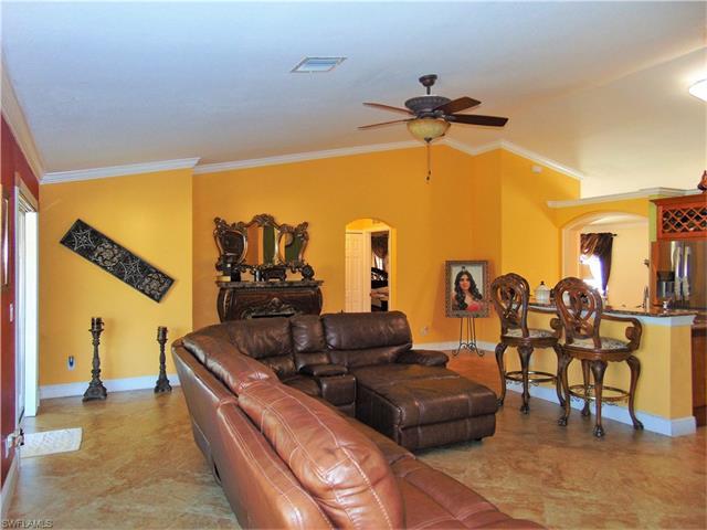 2910 22nd St Sw, Lehigh Acres, FL 33976
