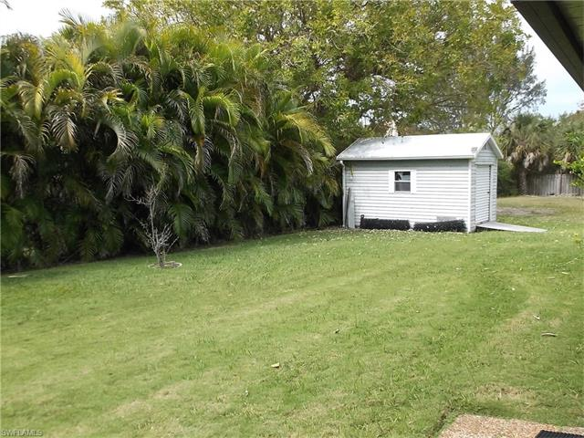 7834 Buccaneer Dr, Fort Myers Beach, FL 33931