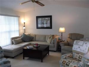 7834 Buccaneer Dr, Fort Myers Beach, FL 33931