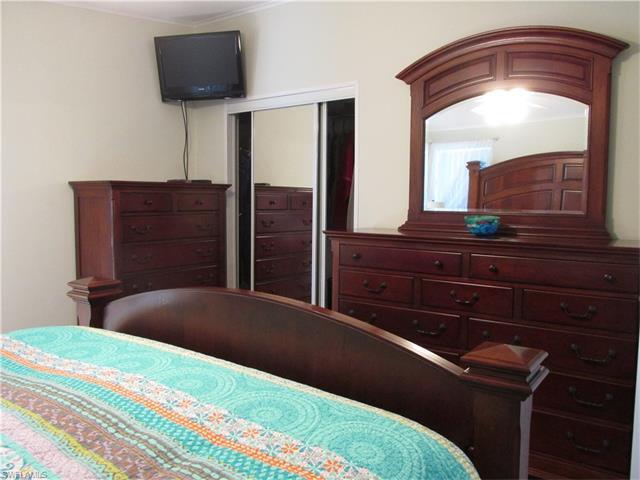 16237 Asheboro Ct, Fort Myers, FL 33908