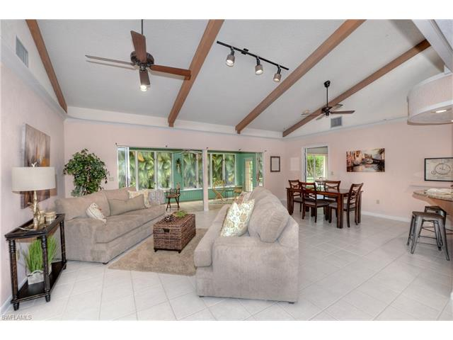 2447 Guinevere Ct, Fort Myers, FL 33912