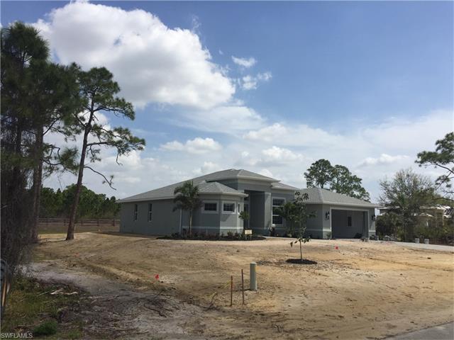 8231 Hunters Glen Cir, North Fort Myers, FL 33917