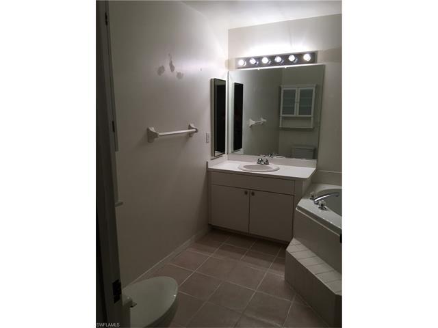 4266 Island Cir D, Fort Myers, FL 33919