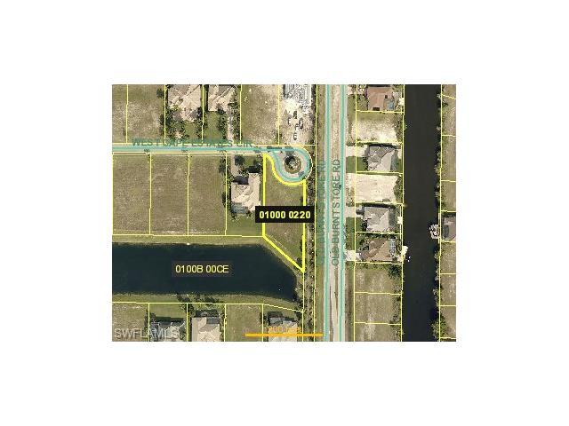 916 W Cape Estates Cir, Cape Coral, FL 33993