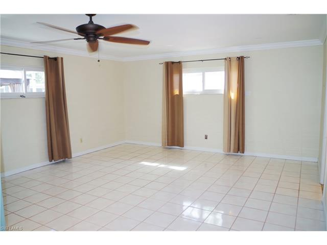 2207 Chandler Ave, Fort Myers, FL 33907