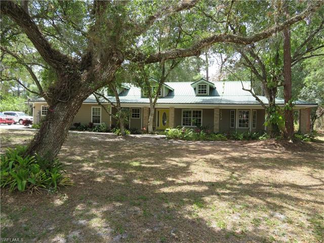 704 Turtle Ln, Labelle, FL 33935
