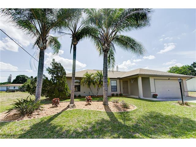2236 Hibiscus Rd, Fort Myers, FL 33905