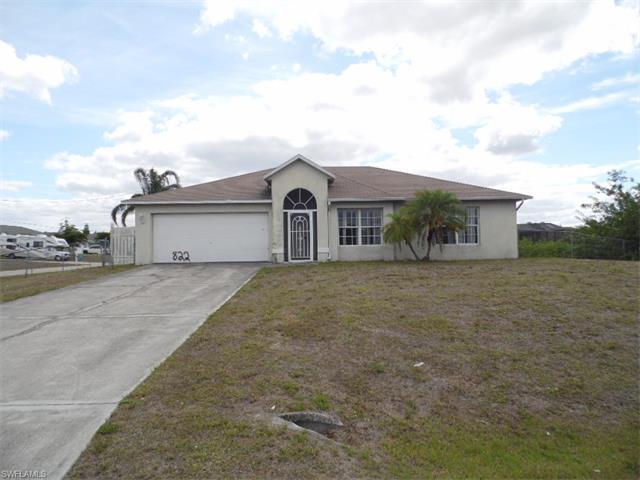 822 Chaplin Ave, Lehigh Acres, FL 33971