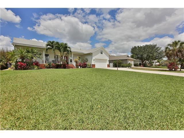 17586 Blackfriar Dr, Fort Myers, FL 33908
