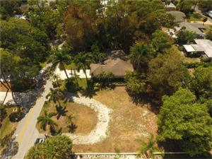 1351 Cypress Woods Dr, Naples, FL 34103