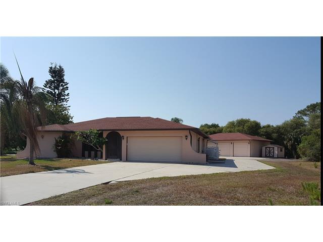 8163 Boonesboro Rd, North Fort Myers, FL 33917
