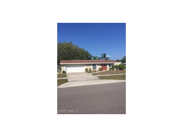954 Ridgeway Dr, North Fort Myers, FL 33903