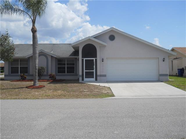 19378 Coraltree Ct, Lehigh Acres, FL 33936