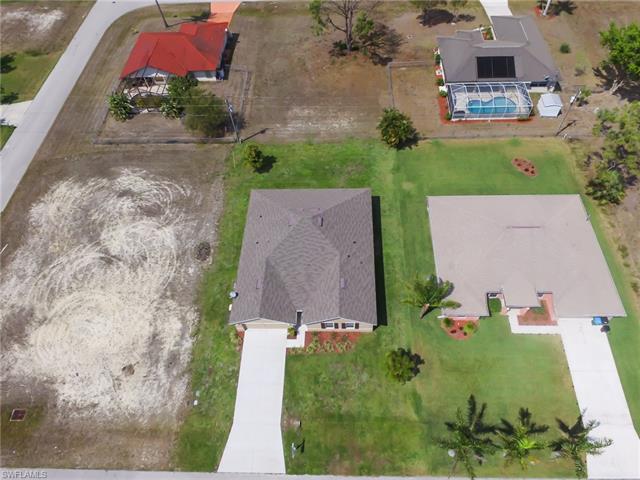 1911 Sw 39th St, Cape Coral, FL 33914