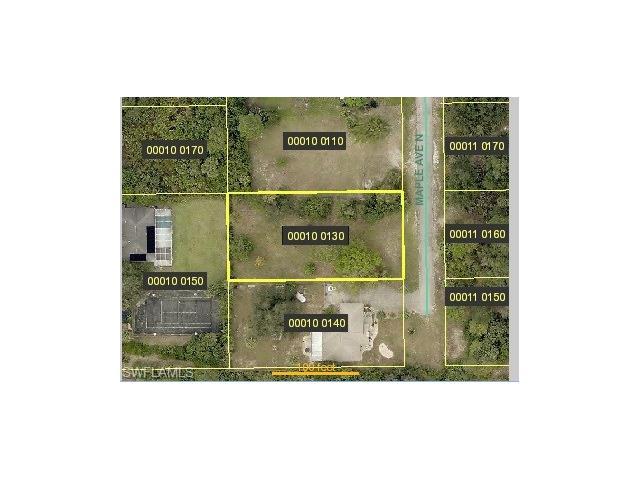 403 Maple Ave N, Lehigh Acres, FL 33972