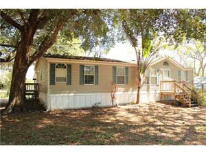 8432 Mcdaniel Dr, North Fort Myers, FL 33917