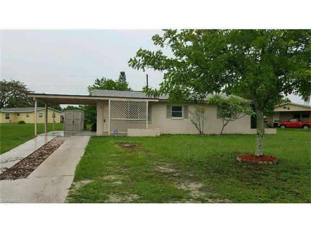910 Laredo Ave, Lehigh Acres, FL 33936