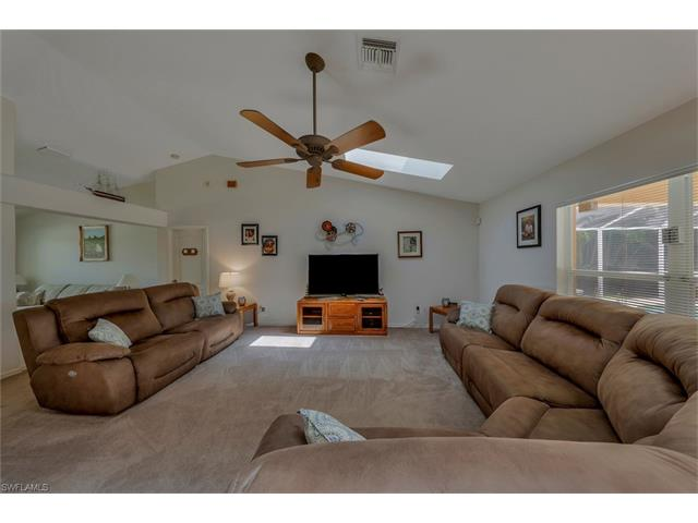4921 Sw 17th Ave, Cape Coral, FL 33914