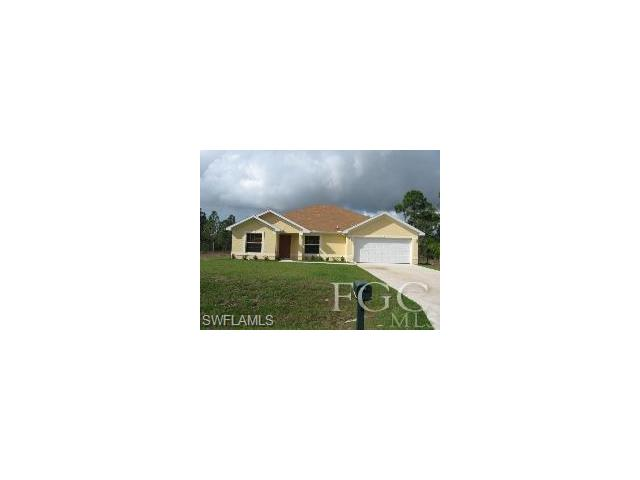 613 Columbus Ave, Lehigh Acres, FL 33972