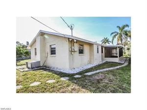 526 98th Ave N, Naples, FL 34108