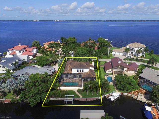 930 Aqua Ln, Fort Myers, FL 33919