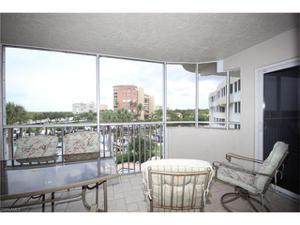 12945 Vanderbilt Dr 404, Naples, FL 34110