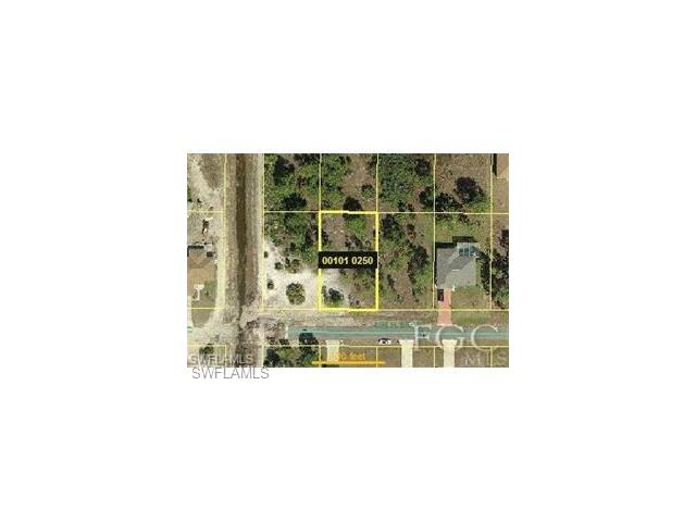 2522 40th St W, Lehigh Acres, FL 33971