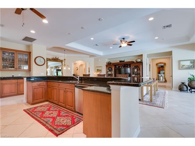 455 Saddlebrook Ln, Naples, FL 34110