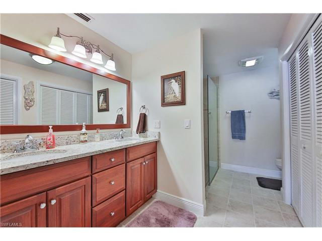 1027 S Town And River Dr, Fort Myers, FL 33919
