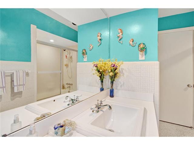 1353 Stadler Dr, Fort Myers, FL 33901