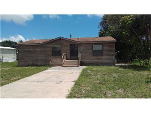 7657 Raymary St, Bokeelia, FL 33922