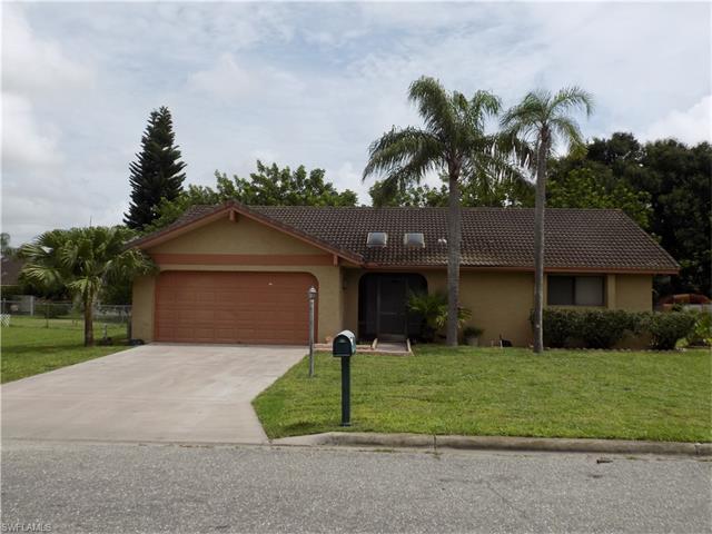 127 Oakside St, Lehigh Acres, FL 33936