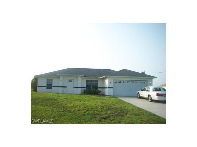 551 Pachman Cir, Lehigh Acres, FL 33974