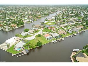 5232 Seminole Ct, Cape Coral, FL 33904