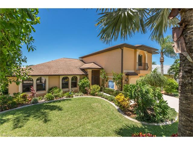 2720 Sw 37th Ter, Cape Coral, FL 33914