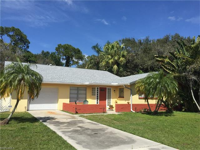 6910 Hendry Creek Dr, Fort Myers, FL 33908
