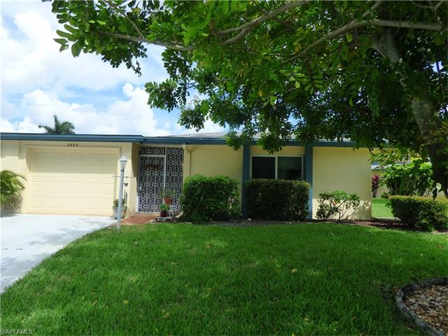 5594 Westwind Ln, Fort Myers, FL 33919