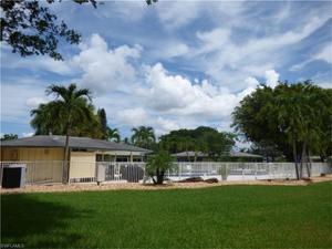 5594 Westwind Ln, Fort Myers, FL 33919