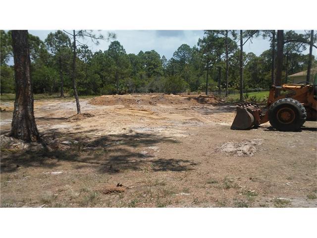 18350 Hunters Glen Rd, North Fort Myers, FL 33917
