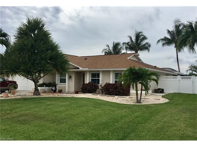 2211 Se 10th Ln, Cape Coral, FL 33990