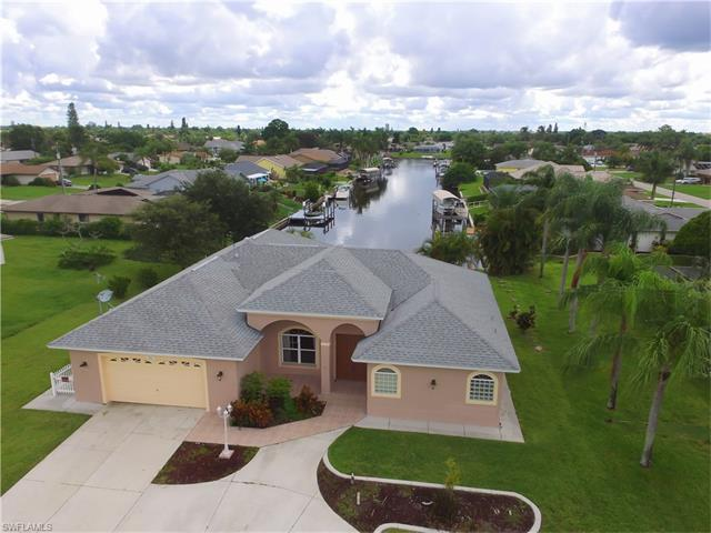 3307 Country Club Blvd, Cape Coral, FL 33904