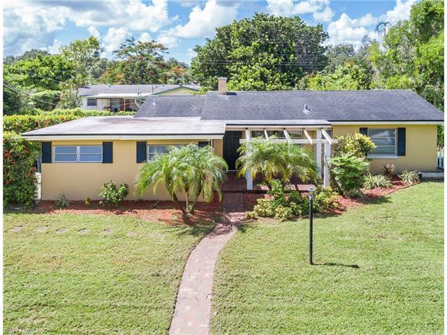 1272 Burtwood Dr, Fort Myers, FL 33901