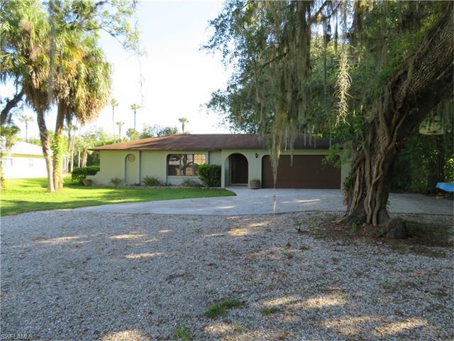 1708 Caloosa Estates Ct, Labelle, FL 33935