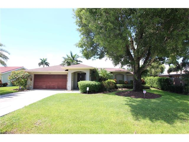 1933 Se 37th St, Cape Coral, FL 33904