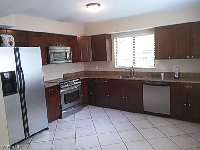7695 Tamara Lee Ct 103, Fort Myers, FL 33907