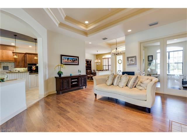 3721 River Point Dr, Fort Myers, FL 33905