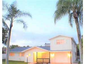 2212 Crystal Dr, Fort Myers, FL 33907